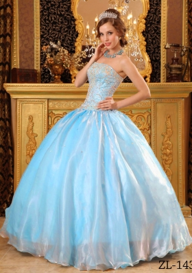 2014 New Style Puffy Strapless Beading Quinceanera Dresses with Appliques