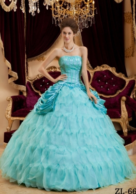 2014 Pretty Puffy Strapless Ruffles Quinceanera Dresses with Pick-ups