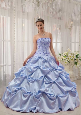 2014 Exclusive Strapless Appliques Quinceanera Dresses with Pick-ups
