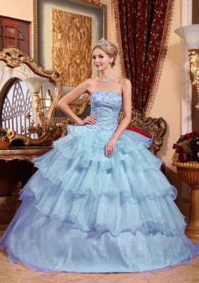 2014 Fashionable Strapless Beading Quinceanera Dresses with Ruffled Layers