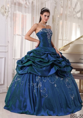 2014 Puffy Embroidery With Beading Quinceanera Gowns with Strapless