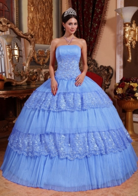 Cheap Puffy Strapless 2014 Lace Appliques Quinceanera Dresses with Ruffled Layers