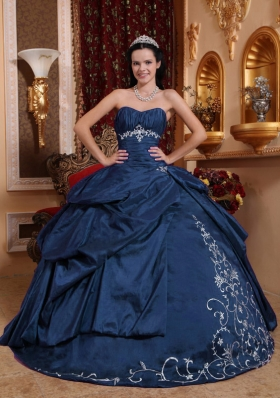 Cheap Ball Gown Sweetheart Embroidery Quinceanera Dresses in Navy Blue