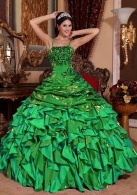 2014 Beautiful Green Puffy Straps Embroidery and Beading Quinceanera Dress