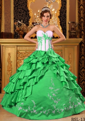2014 Green Puffy Sweetheart Embroidery Quinceanera Dress with Layers