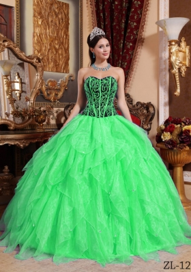 2014 Spring Green Puffy Sweetheart Embroidery and Beading Quinceanera Dress with Ruffles