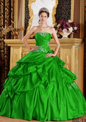 2014 Sweet Green Puffy Strapless Appliques Quinceanera Dress with Pick-ups