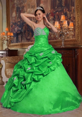 2014 The Most Popular Sweetheart with Pick-ups and Beading for Green Quinceanera Dress