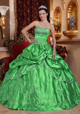 Cheap Puffy Strapless with Embroidery and Beading for 2014 Green Quinceanera Dress