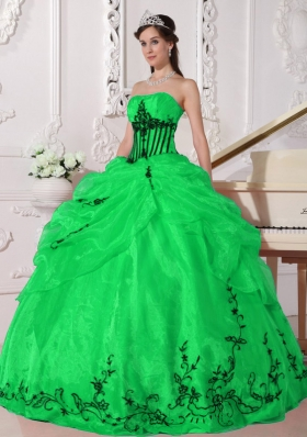 Elegant Puffy for 2014 Green Quinceanera Dress with Appliques