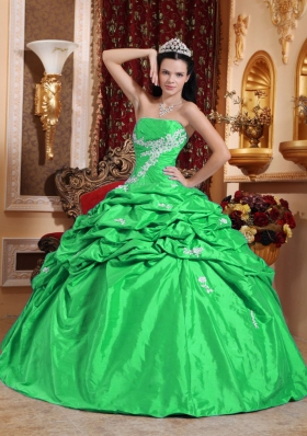 Luxurious Green Puffy Strapless for 2014 Quinceanera Dress with Pick-ups and Appliques