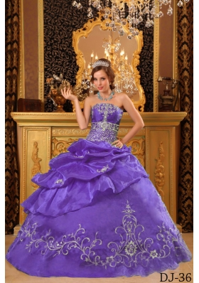 Sweet Lavender Puffy Strapless 2014 Beading Quinceanera Dresses with Appliques