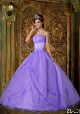Fashionable Puffy Strapless Appliques Lavender Quinceanera Dresses for 201