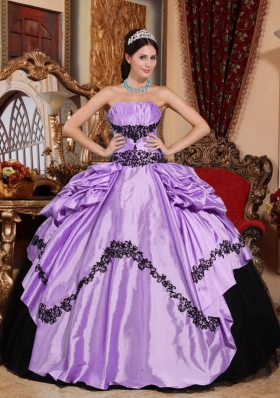 Pretty Lavender Puffy Strapless Appliques Quinceanera Dresses for 2014