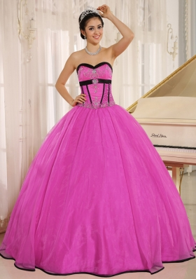 Fuchsia Sweetheart Beaded Decorate Bodice Qunceanera Gown With Organza