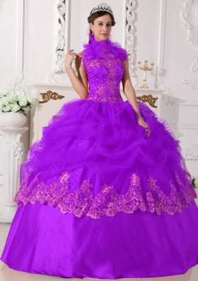 Luxurious Halter Top Taffeta Quinceanera Dress with Lace Appliques