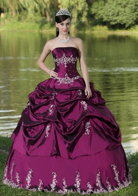New Style Quinceanera Dress Party Wear With Appliques Decorate