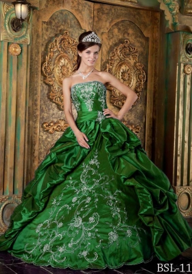 2014 Ball Gown Strapless Spring Quinceanera Dresses with Embroidery