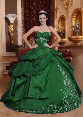 2014 Dark Green Puffy Sweetheart Quinceanera Dresses with Embroidery