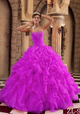 2014 Spring Sweetheart Ruffles Organza Quinceanera Dress with Beading