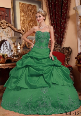 Dark Green Ball Gown Sweetheart Quinceanera Dresses Embroidery with Beading