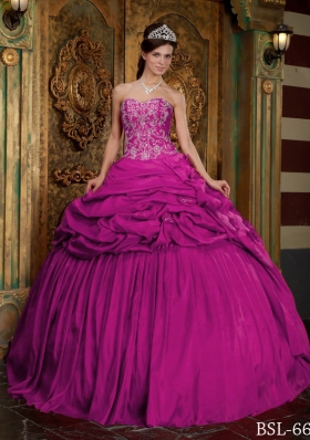 New Fuchsia Sweetheart Appliques Decorate Bodice Quinceanera Gowns