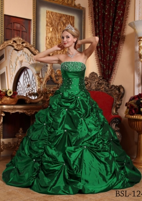 2014 Spring Green A-line Strapless Quinceanera Dresses with Beading