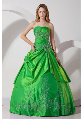 Green Taffeta Princess Strapless Quinceanera Dresses with  Embroidery