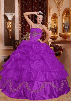 Strapless Organza Sweet 16 Dresses with Appliques and Pick-ups