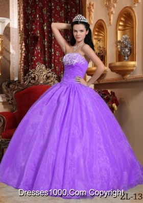 Lilac Ball Gown Strapless Organza Quinceanera Gowns with Appliques