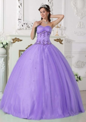 Lilac Ball Gown Sweetheart Quinceneara Dresses with Beading