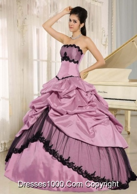 Pick-ups and Lace Appliques Taffeta Quinceanera Dress for 2014 Spring