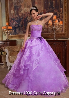 Princess Strapless Organza Lilac Quinceanera Gowns with Flowers and Appliques
