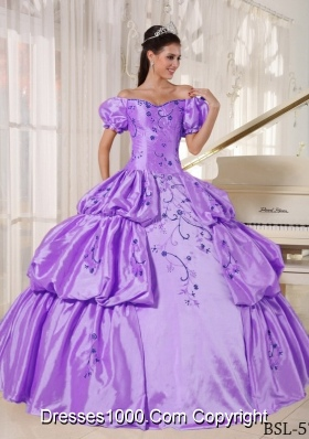 Ball Gown Off The Shoulder Embroidery Quinceanera Dress with Pick-ups