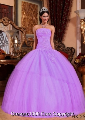 Lilac Ball Gown Strapless Tulle Quinceanera Gowns with Appliques and Beading