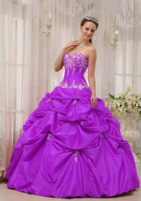New Style Sweetheart Taffeta Appliques Sweet 15 Dresses with Pick-ups