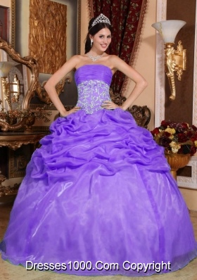 Purple Ball Gown Strapless Organza Quinceanera Gowns with Appliques and Pick-ups