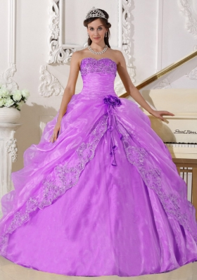 Strapless Organza Lilac Quinceanera Gowns with Embroidery and Beading