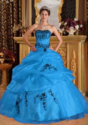 2014 Aqua Blue Puffy Sweetheart Quinceanera Dress with Pick-ups and Embroidery
