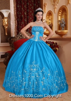 2014 Elegant Teal Puffy Strapless Embroidery Quinceanera Dress with Bow