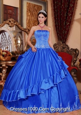 2014 Embroidery Quinceanera Dress in Blue Puffy Strapless