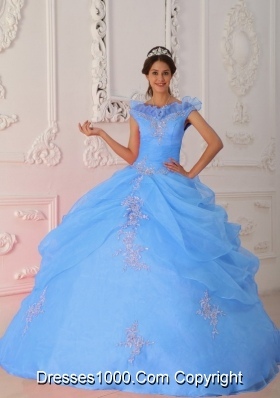 2014 Sleevless Blue Puffy V-neck Appliques Quinceanera Dress with Beading