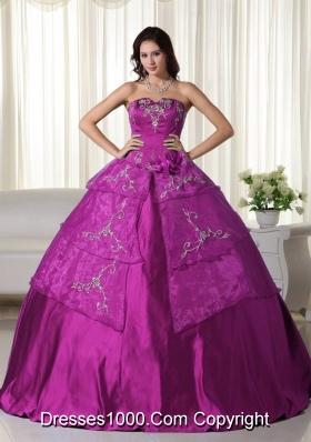 Fuchsia Strapless Organza Appliques Decorate Quinceanera Dress for Women