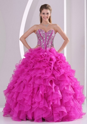 Pretty Sweetheart Ruffles and Beaded Decorate 2015 Fuchsia Quinceanera Gowns