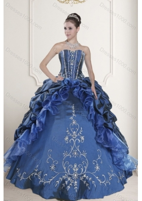 2015 Fashionable Embroidery and Beading Dresses for Quinceanera