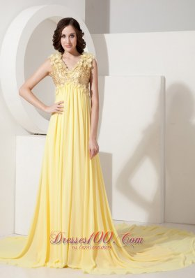 Light Yellow Evening Dress V-neck Flowers Court