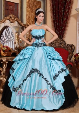 Blue Strapless Quinceanera Dress Taffeta Beaded Appliques
