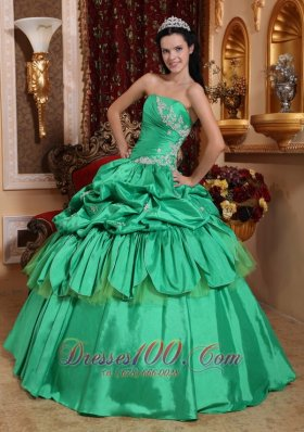 Quinceanera Dress With Spring Green Taffeta Appliques