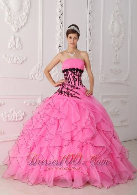 2013 Rose Pink Ruffles Black Appliques Quinceanera Dress