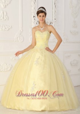 Light Yellow Sweet 16 Dress Appliques Sweetheart Floor-length
